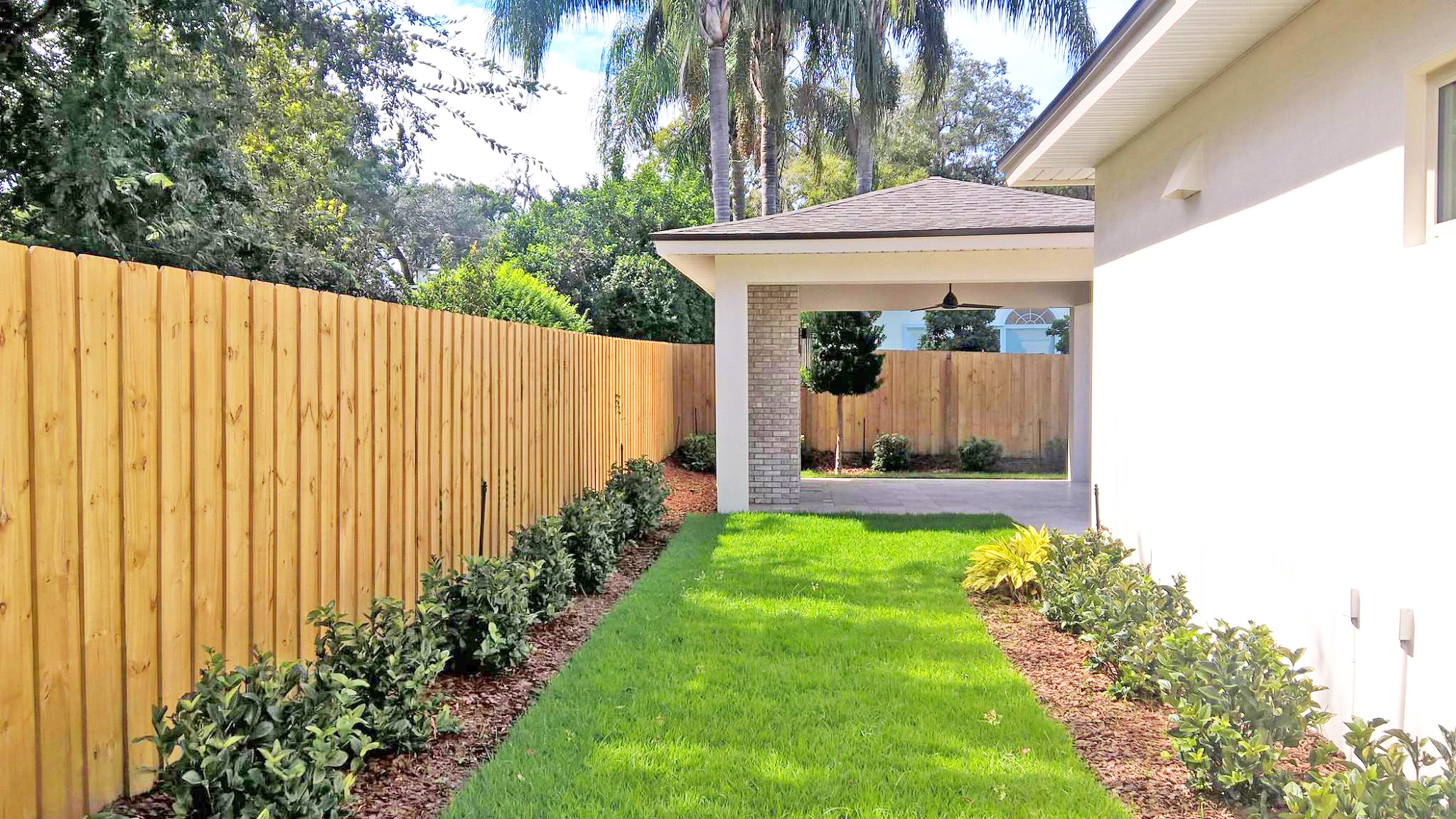 Advantages to the Classic Wood Fence