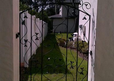 Custom Gates 20