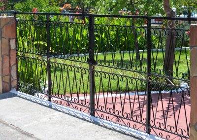 83778112 - metal gate for a private house
